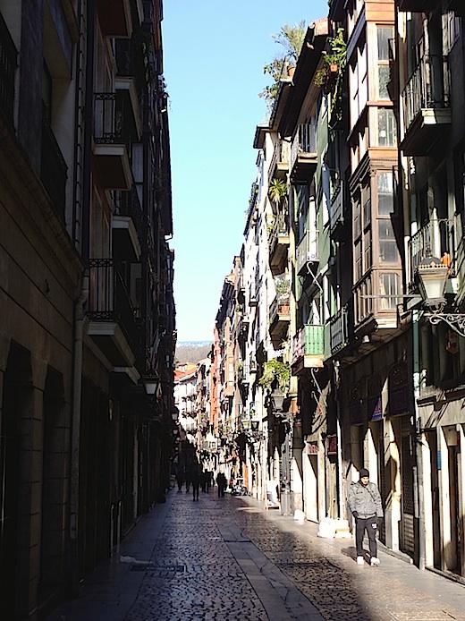 ビルバオ旧市街2s.jpg