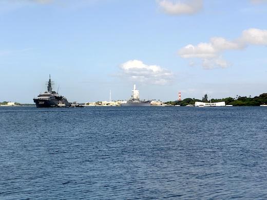 10真珠湾自衛艦1s.jpg