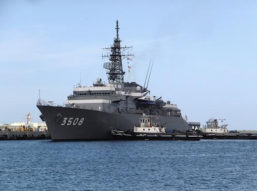 11真珠湾自衛艦2s.jpg